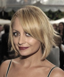 http://www.allure.com/beauty/blogs/reporter/2010/10/celebrity-hair-ideas-nicole-richies-hot-new-haircut.html