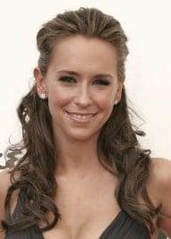 http://www.haircutshairstyles.com/jennifer_love_hewitt_grecian_goddess_hairstyle-256.shtml