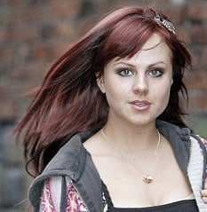 http://www.dailymail.co.uk/tvshowbiz/article-1346467/Tina-OBrien-latest-celebrity-try-flame-haired-look-dyes-locks-bright-red.html?ito=feeds-newsxml