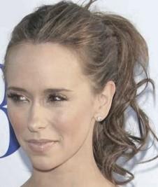 http://womensbeautylife.com/gallery/Celebrities-HairStyles/Jennifer_Love_Hewitt_curly_ponytail
