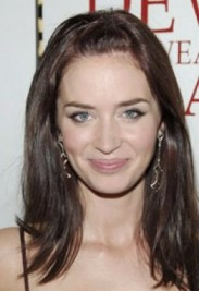 http://static.thehollywoodgossip.com/images/gallery/emily-blunt-image_265x530.jpg