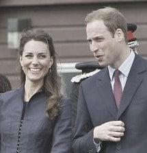 http://www.huffingtonpost.com/2011/04/11/prince-william-kate-middleton-blackburn-photos_n_847330.html#s263241