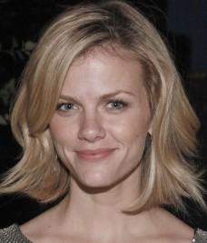 http://www.stylelist.com/2011/06/14/brooklyn-decker-celebrity-beauty-look-of-the-day/