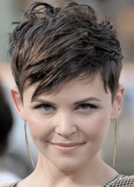 http://www.hair.becomegorgeous.com/celebrity_hair/celebrity_short_hairstyle_trends-4823.html