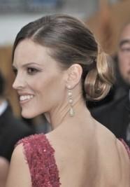 http://www.stylebistro.com/Fashion+Forum/articles/kf2XnJPIRBt/Hilary+Swank+2011+IIFA+Awards+Best+Dressed