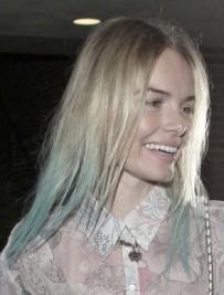 http://www.stylebistro.com/Fashion+Forum/articles/cJYbg7mMS9N/Kate+Bosworth+Blue+Tipped+Hair+New+Hair+Trend
