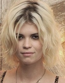 http://www.dose.ca/Celebrity+Hair+Trend+Dark+Roots/5180353/story.html