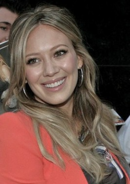 http://www.stylebistro.com/Celebrity+Hair/articles/uvHUZt-izjp/Hilary+Duff+Long+Wavy+Hair+Good+Morning+America