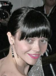 http://www.exposay.com/christina-ricci-poiret-king-of-fashion---costume-institute-gala-at-the-metropolitan-museum-of-art---arrivals/p/10615/1/?f=Christina+Ricci