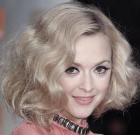 http://uk.omg.yahoo.com/gossip/the-juice/baftas-2012-celebrity-hair-trend-40s-waves-051725435.html