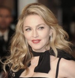 http://www.more.com/sexiest-celebrity-hairstyles