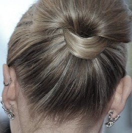 http://www.dailygossip.org/cannes-looks-diane-kruger-s-ponytail-bun-3375
