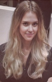 http://www.huffingtonpost.com/2012/08/26/jessica-alba-hair-blonde-ombre-sin-city-photos-pictures-2012_n_1831266.html?utm_hp_ref=style